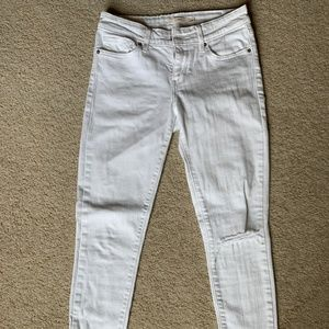 Levi Strauss White jeans with hole in knee
